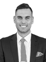 Simon Young - Real Estate Agent