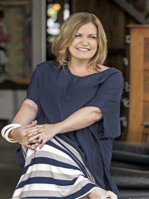 Julie Harris - Real Estate Agent