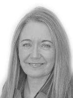 Val Elworthy - Real Estate Agent