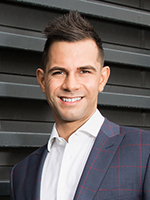 Elliot Kyriakou - Real Estate Agent
