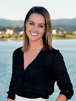 Sophie Watts - Real Estate Agent