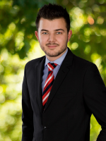 Tom Shaw - Real Estate Agent