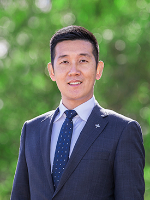 Oliver Hu - Real Estate Agent