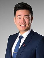 Larry Zhou - Real Estate Agent