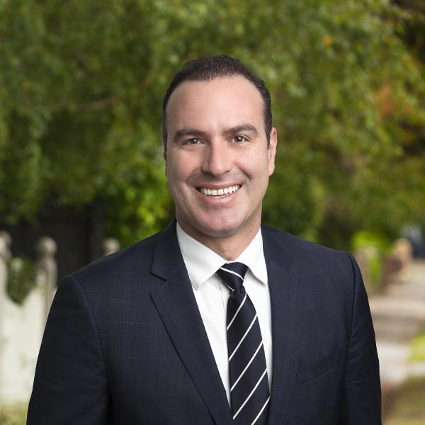 OpenAgent, Agent profile - Dennis Dellas, Lindellas Real Estate - Box Hill