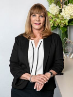 OpenAgent, Agent profile - Lora Moore, 2233 Realty - Engadine