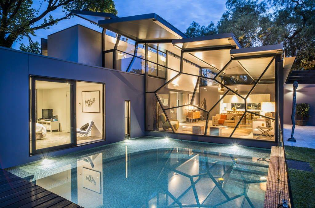 17 of the most amazing and unusual homes in australia for Most amazing modern houses