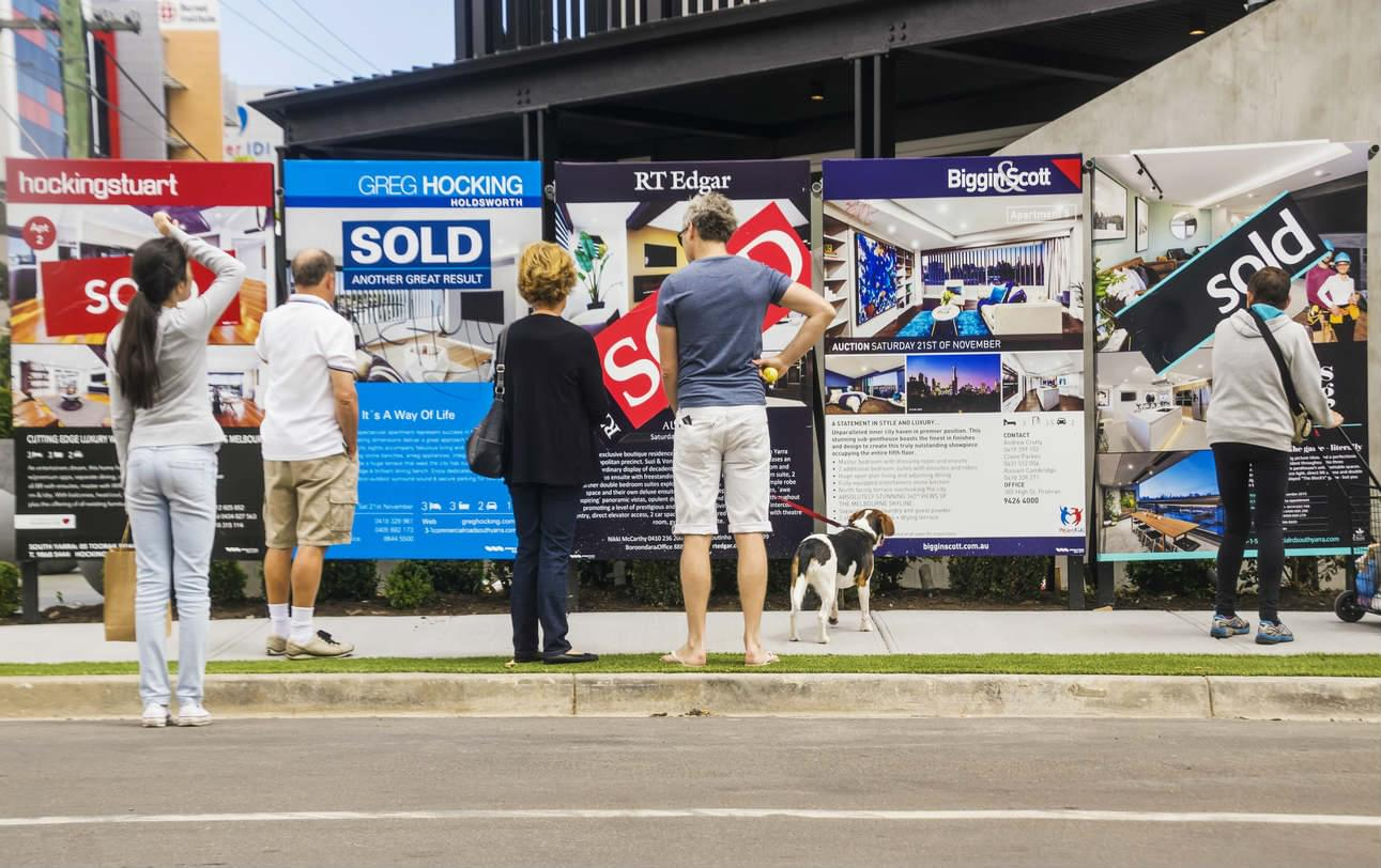 cost of selling via auction