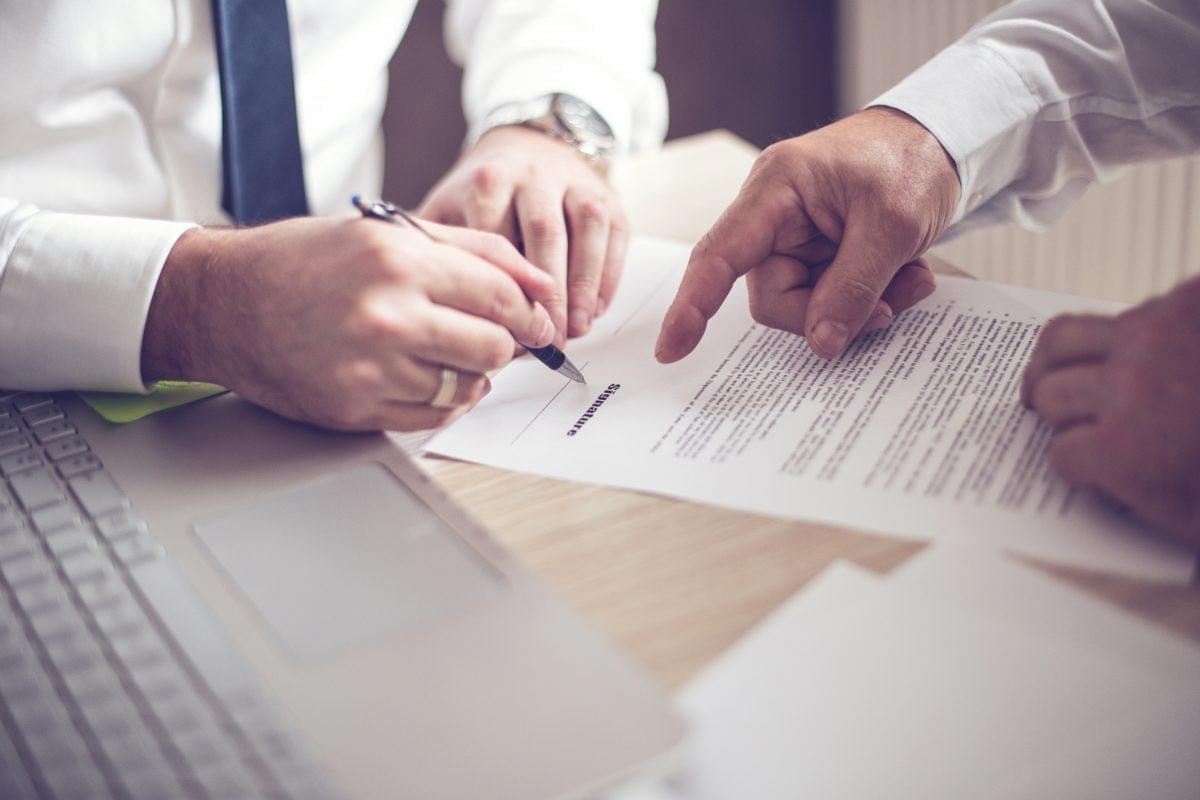 OpenAgent Article - Do you need to read the fine print before signing with a real estate agent?