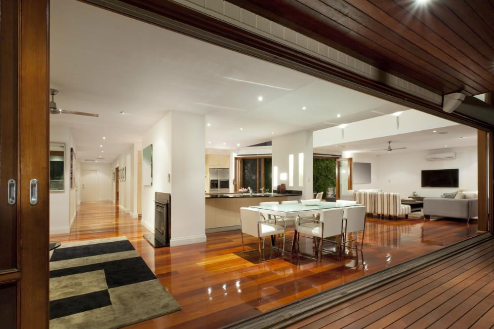 real estate commission qld
